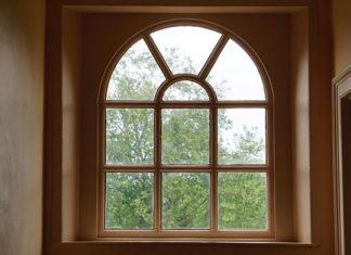 Czym jest ciepły montaż okien